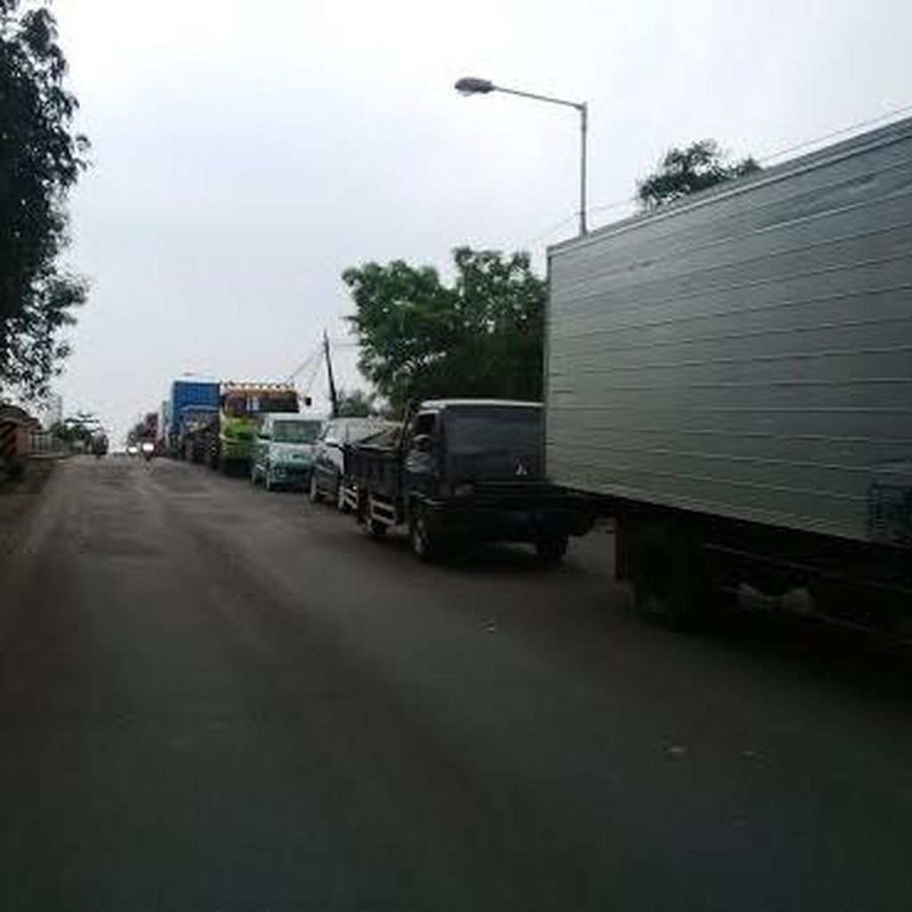 Truk atau Angkutan Barang Dilarang Beroperasi Mulai Hari Ini Kecuali Sembako