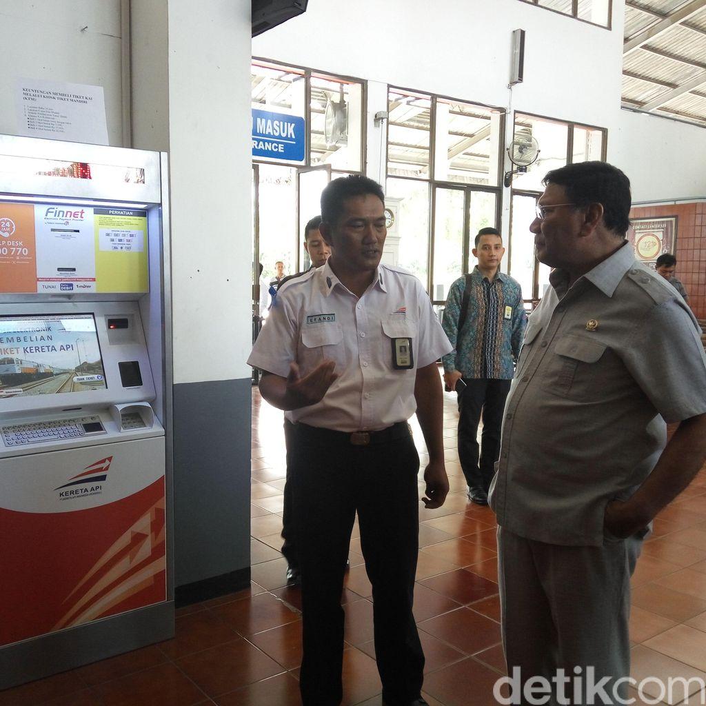 Wakil Ketua DPD Cek Fasilitas Pemudik di Stasiun Banyuwangi Baru