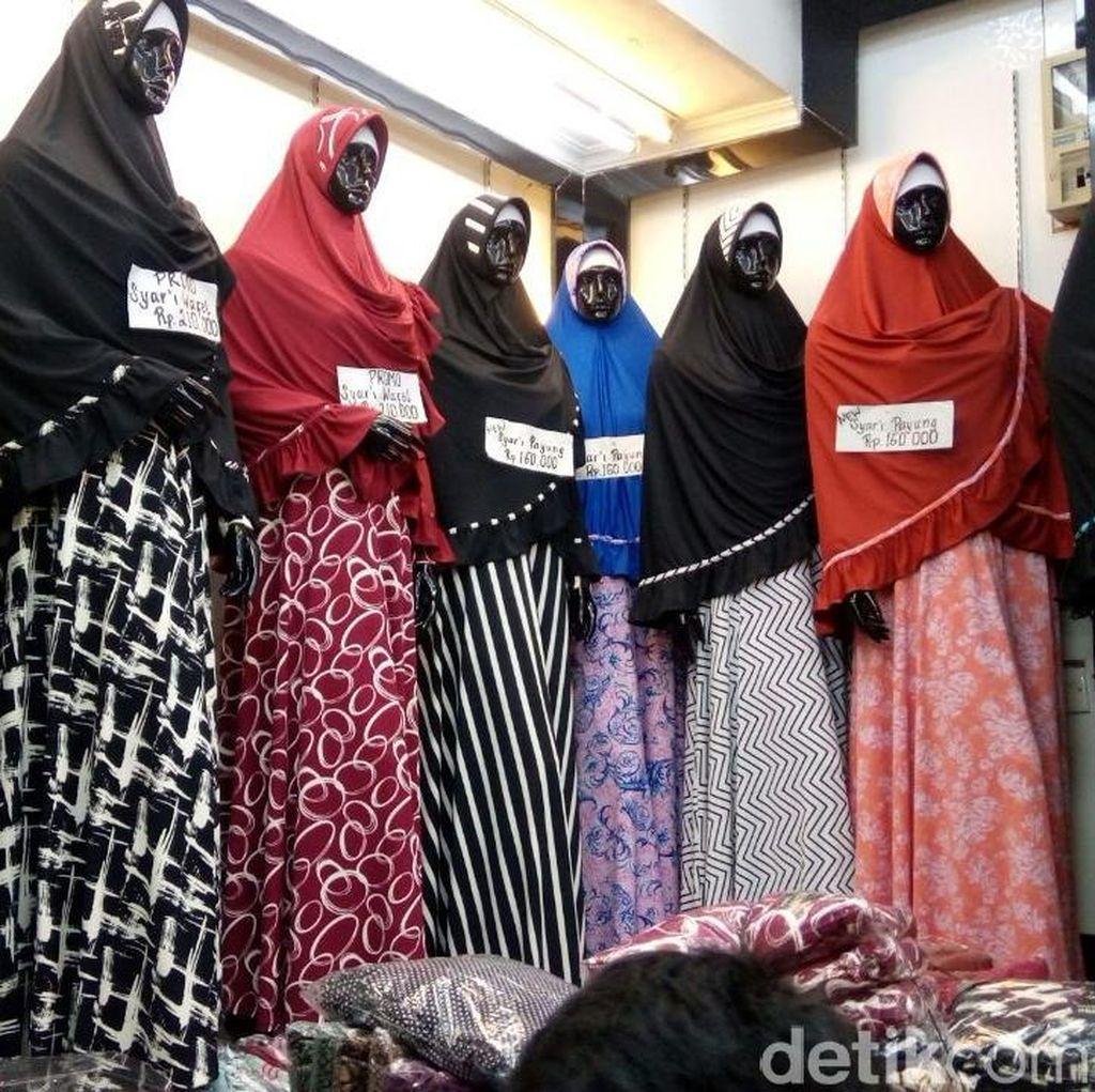 Jelang Lebaran, Penjualan Pakaian Muslim di Tanah Abang Meningkat 80%