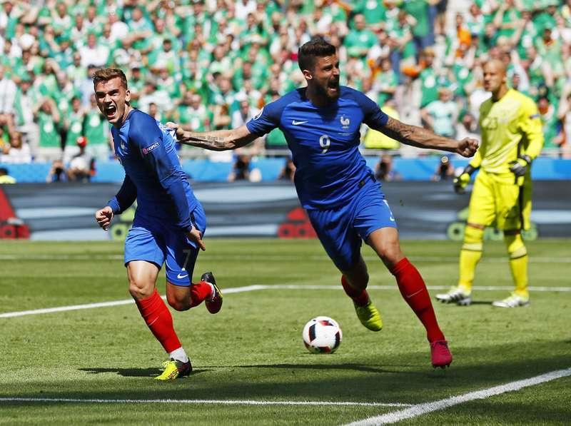 Dua Gol Griezmann Loloskan Prancis ke Perempatfinal