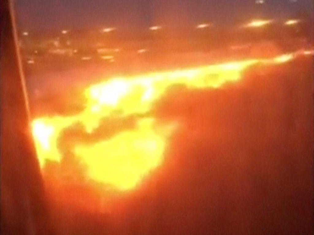 Begini Parahnya Kebakaran Mesin Singapore Airlines Usai Mendarat di Changi