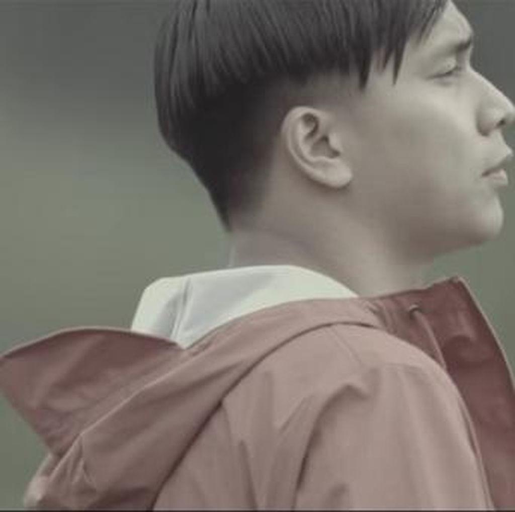 Keindahan Alam Indonesia di Video Klip Perdana Ben Sihombing
