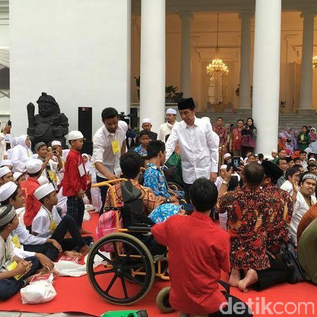 Pesan Jokowi ke Anak Yatim: Terus Belajar dan Berdoa, Allah Sayang Kalian