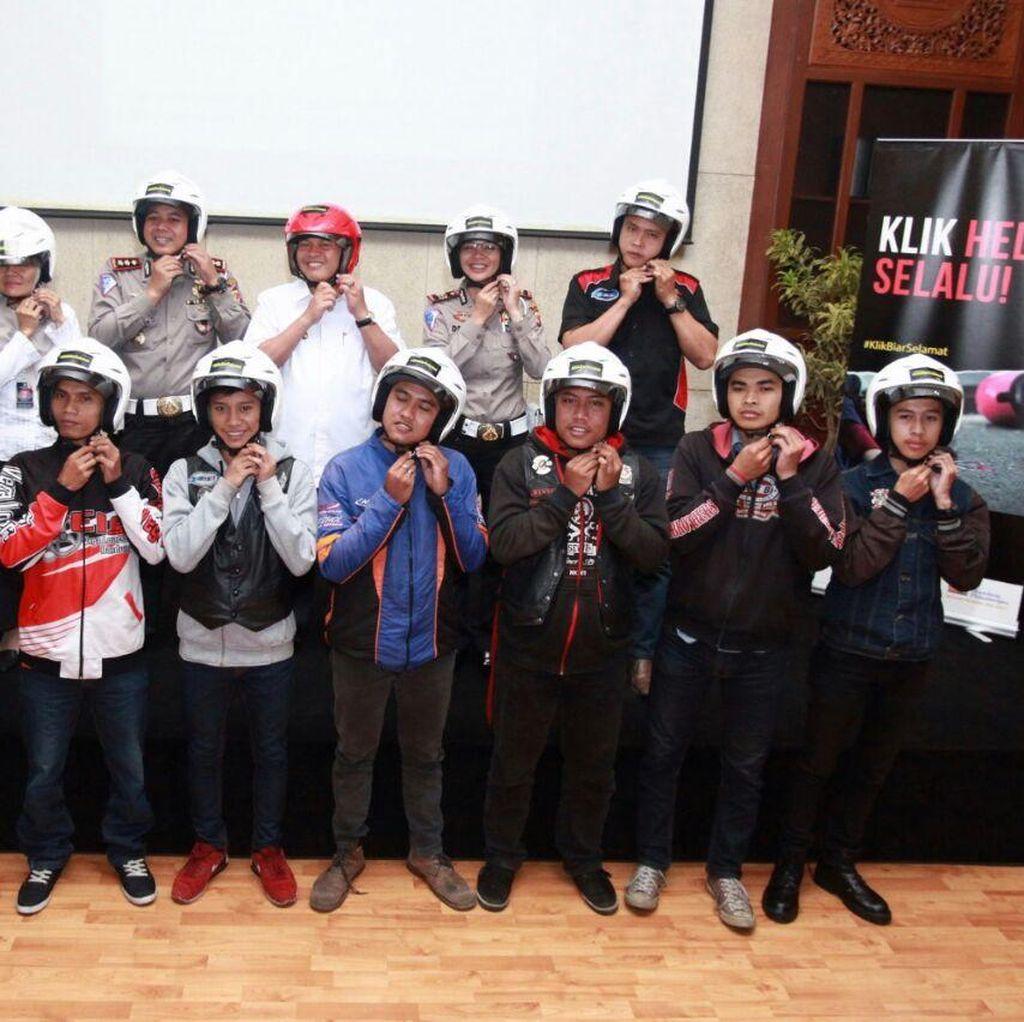 Kampanye Klik Biar Selamat, Ajak Pengendara Motor Pakai Helm dengan Benar