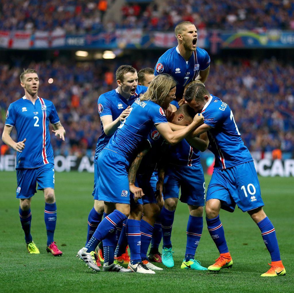 Turun Minum, Islandia Memimpin 2-1 atas Inggris