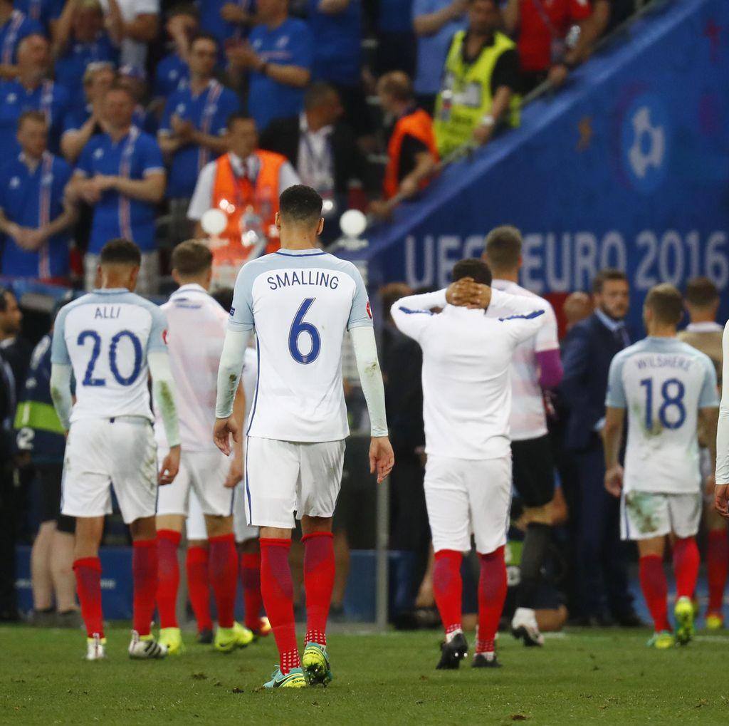 Soroti Mentalitas Inggris, Carragher Bandingkan dengan Italia