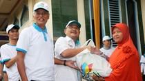 PLN Bagikan 35.000 Paket Sembako ke Warga Sekitar Pembangkit