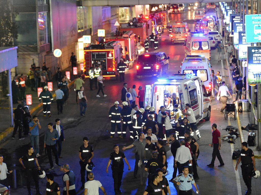 Tiga Pengebom Bunuh Diri di Bandara Istanbul Diduga Warga Asing