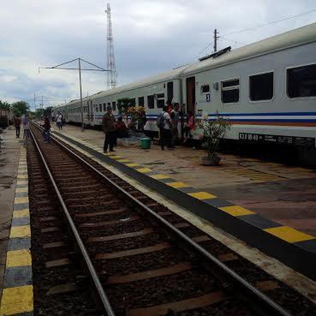 Jalur Kereta ke Banyuwangi yang Sempat Lumpuh Kini Sudah Bisa Dilalui