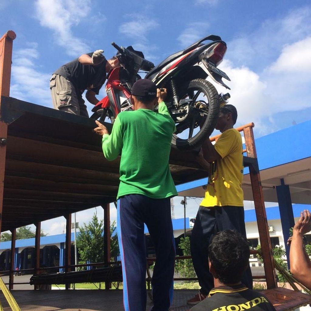 Angkutan Gratis untuk Motor Pemudik Mulai Tiba di Solo