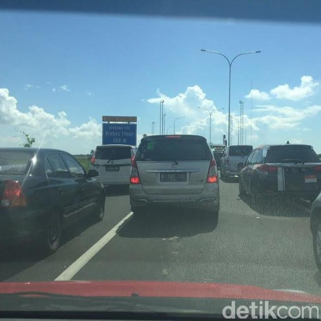 Kendaraan dari Jakarta Berdatangan, Lalin Dalam Kota Brebes dan Tegal Macet