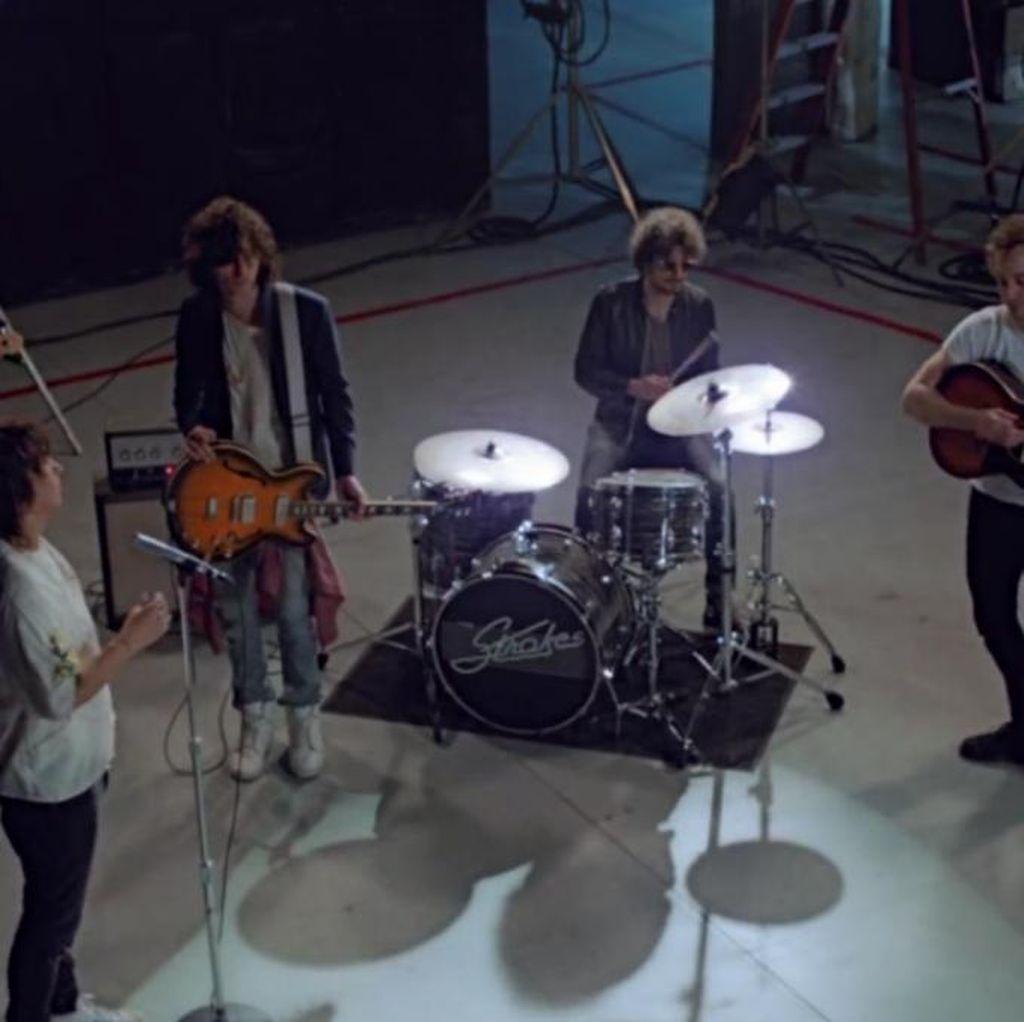 Tiga Tahun Puasa, The Strokes Akhirnya Rilis Video Klip Baru