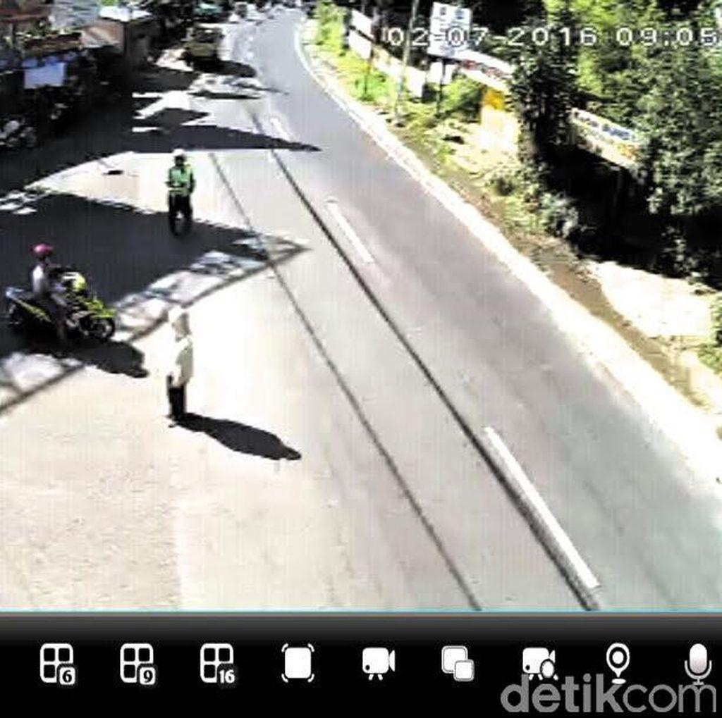 Terpantau CCTV, Arus Lalin dari Puncak Bogor Menuju Cianjur Cenderung Landai