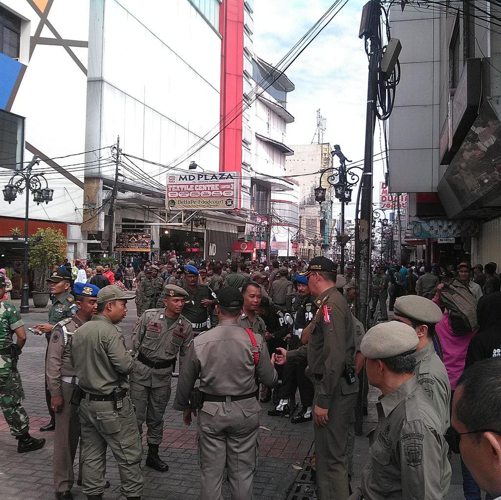 Pasca Kerusuhan, Markas Satpol PP Kota Bandung Dijaga Ketat TNI