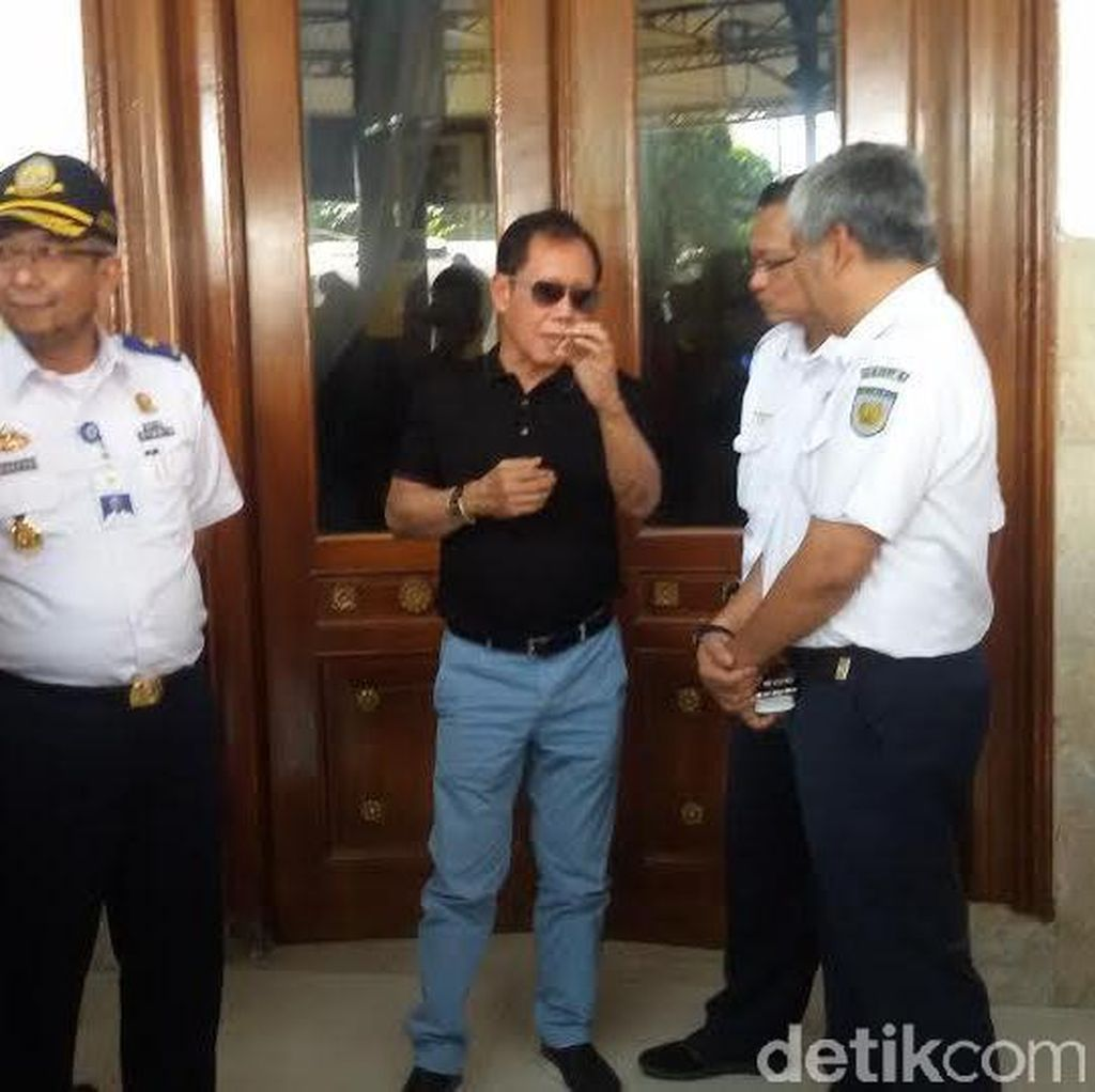 Kembali ke Jakarta, Ka BIN Sutiyoso Sewa Kereta Wisata dari Yogyakarta