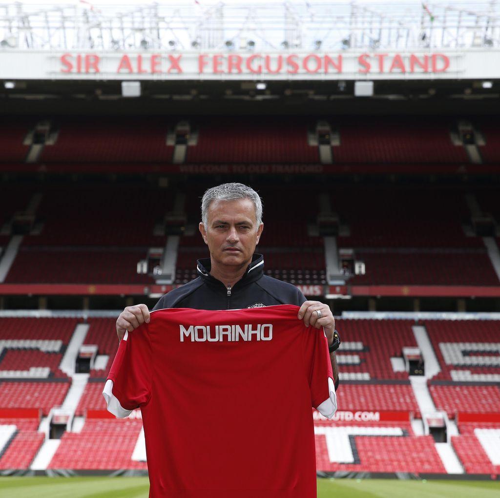 Mourinho Kembalikan Mentalitas Setan Merah