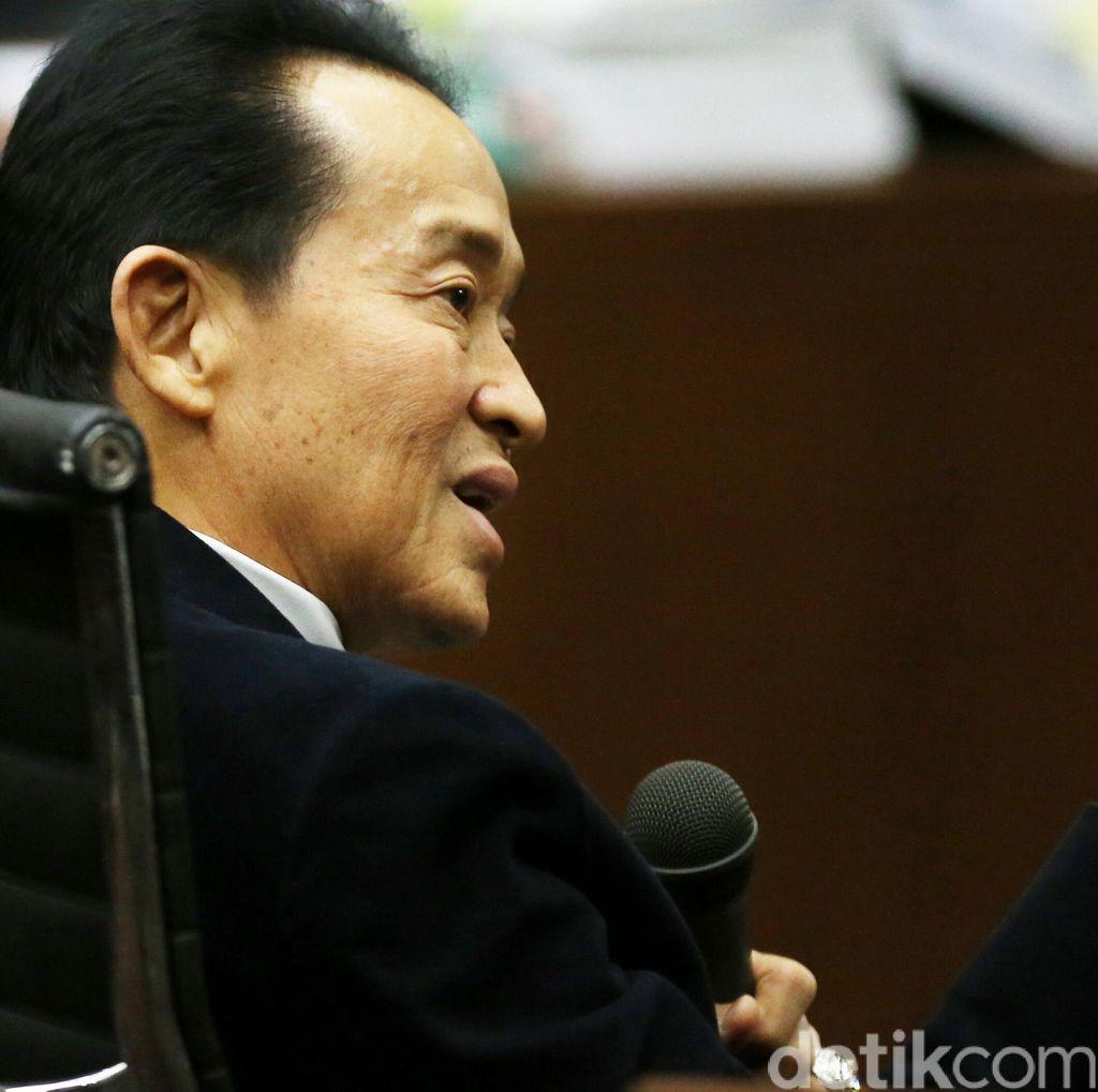 Ayah Mirna Ditanya Hakim Soal CCTV di Luar yang Disita Jaksa