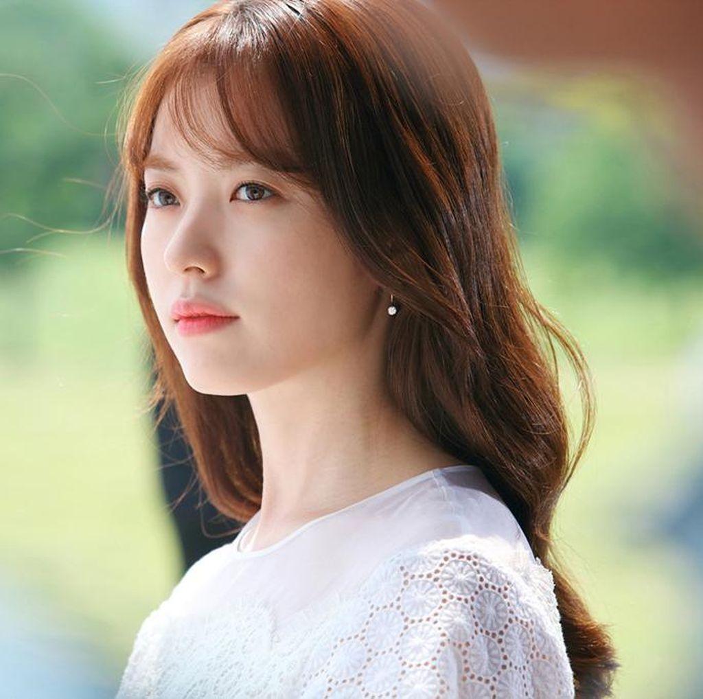 Akting Han Hyo Joo di W Dianggap Berlebihan