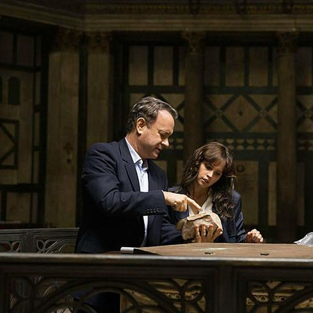 Tom Hanks Bicara Perubahan Karakter Robert Langdon di Inferno