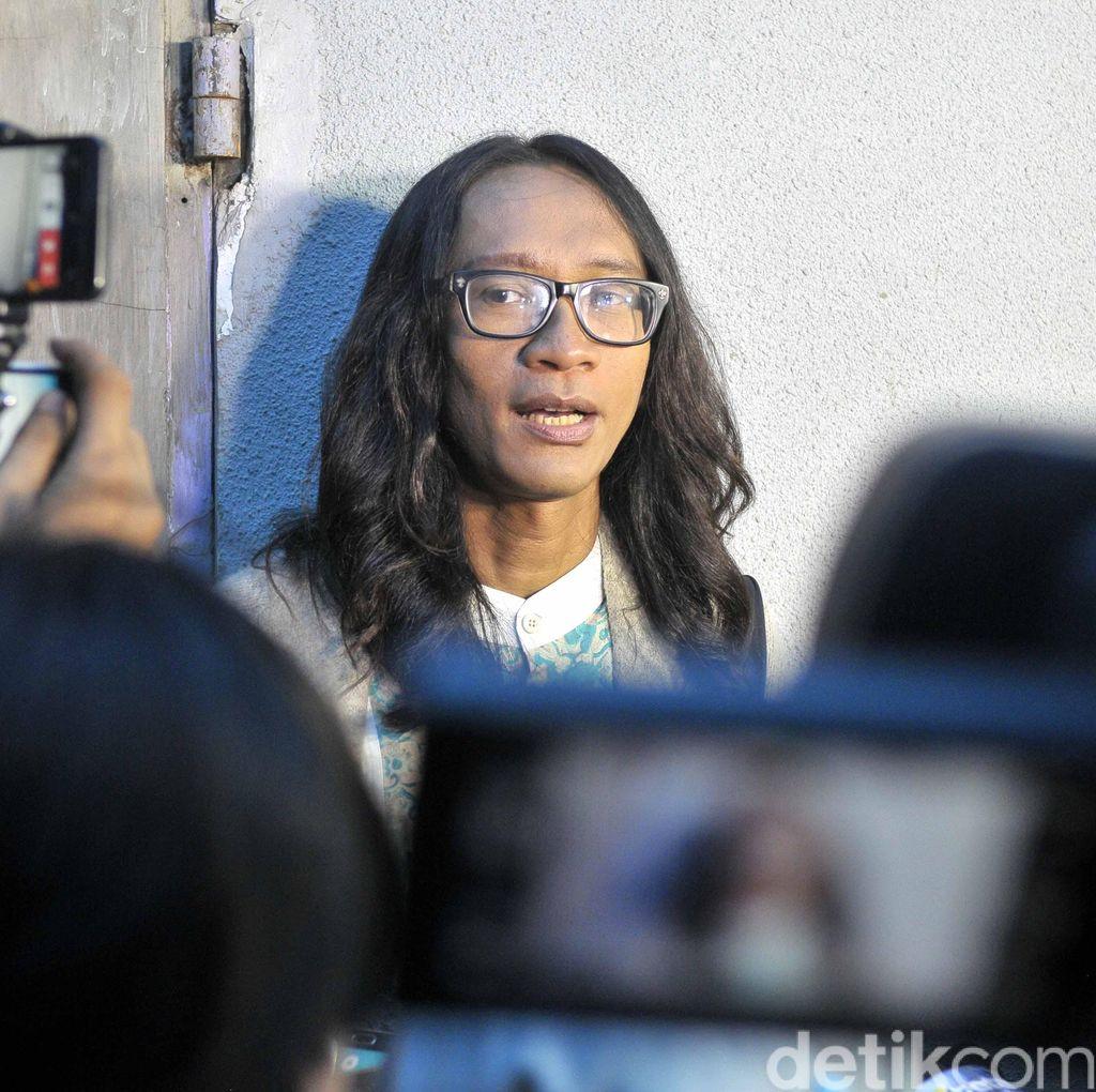 Istri Aming Memang Tomboi, Tapi Tak Kehilangan Esensi Perempuan