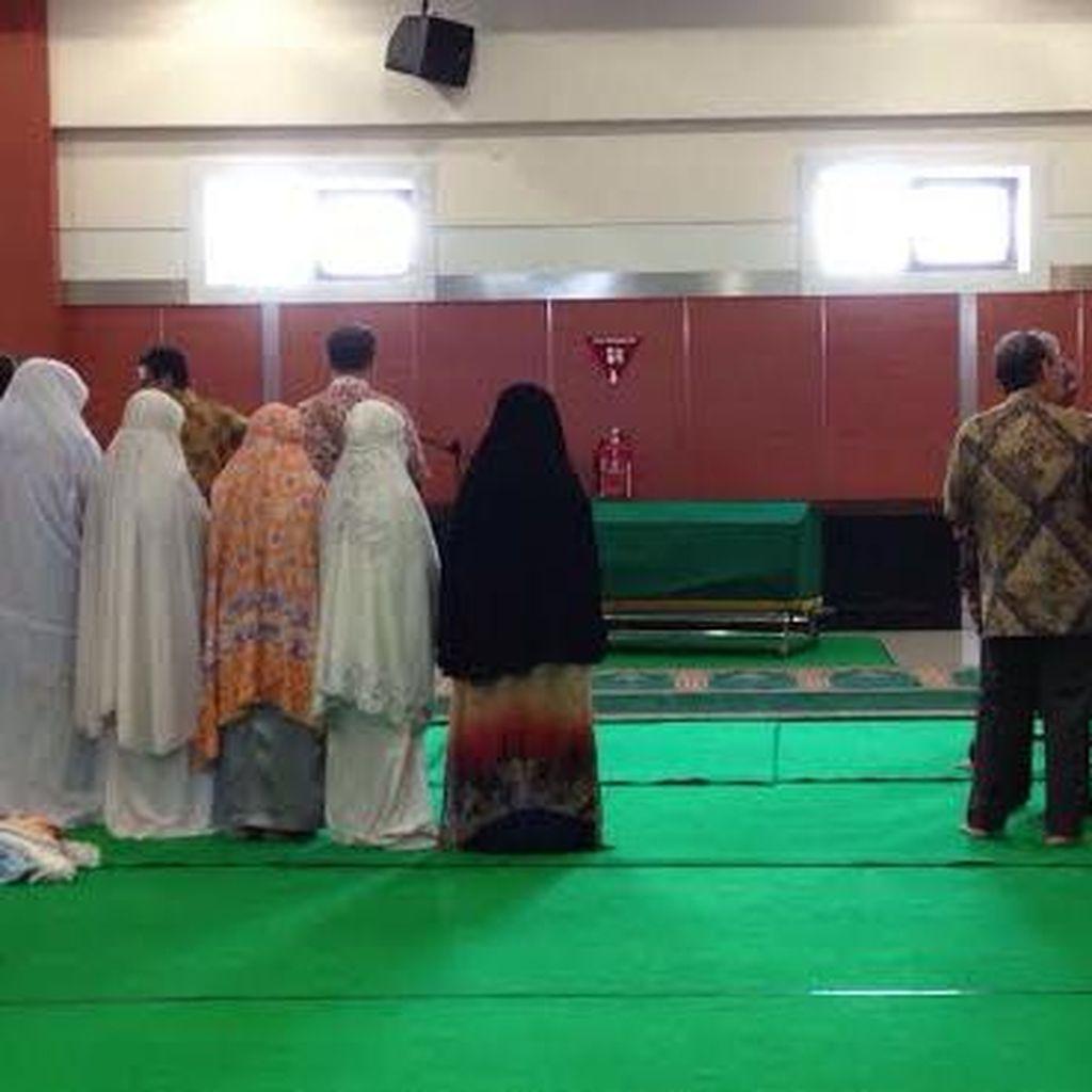 Istri Mantan Rektor Unair Meninggal Dunia