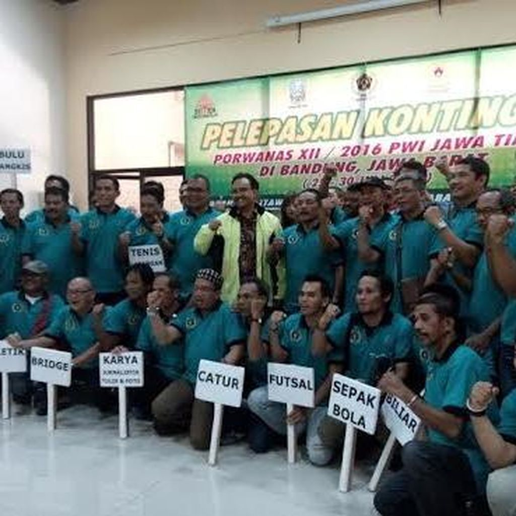 Wagub Lepas Kontingen Atlet Porwanas Jawa Timur ke Bandung