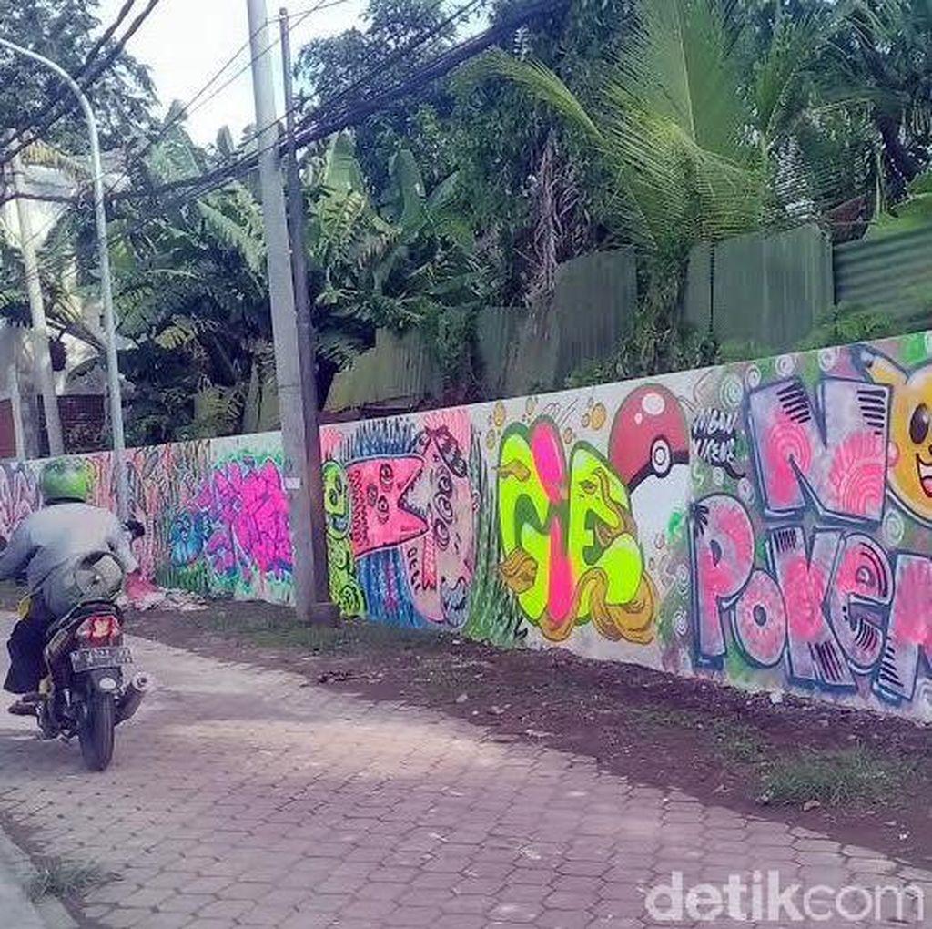 Mural No Pokemon Ada di Belakang Gedung Negara Grahadi Surabaya