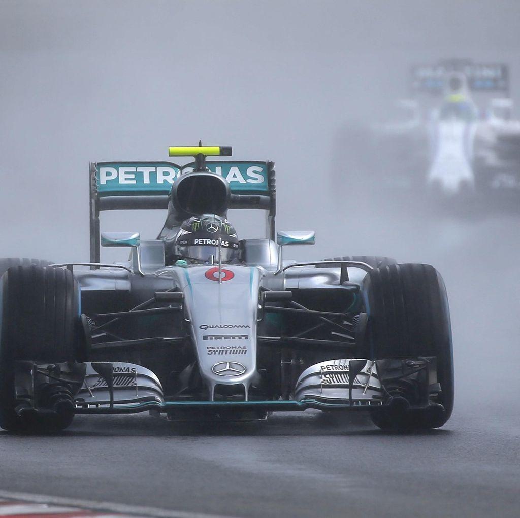 Hujan, Insiden, dan Empat Bendera Merah Saat Rosberg Raih Pole