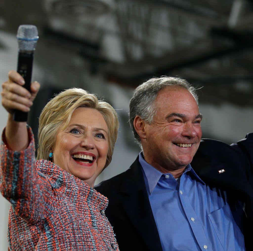 Hillary Clinton Pilih Senator Virginia Tim Kaine sebagai Cawapres
