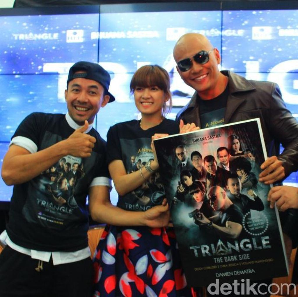 Deddy Corbuzier Luncurkan Novel Triangle The Dark Side