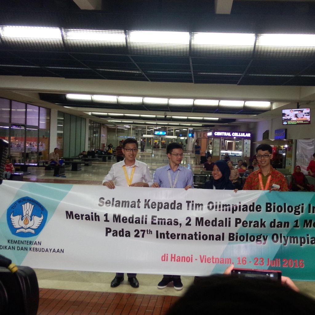Para Peraih Medali Olimpiade Biologi ini Bangga Harumkan Nama Bangsa