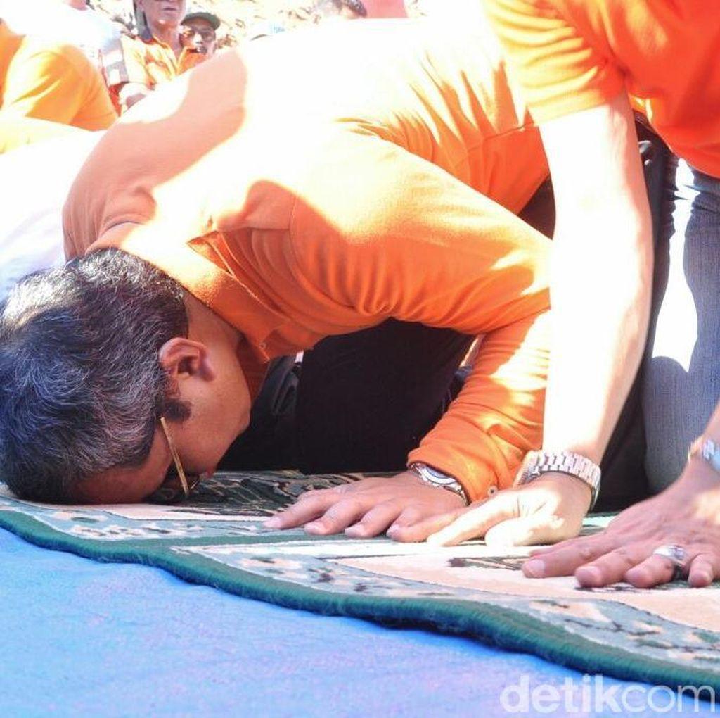 2 Tahun Pertahankan Piala Adipura, Walikota Makassar Sujud Syukur di TPA