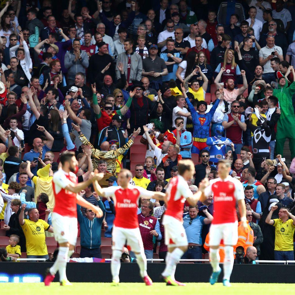 Mertesacker Akui Arsenal Beruntung Finis Kedua Musim Lalu