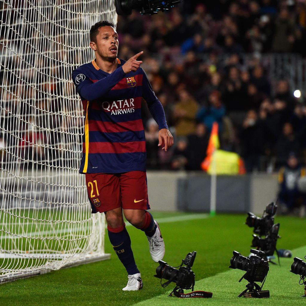 Barcelona Lepas Adriano ke Besiktas