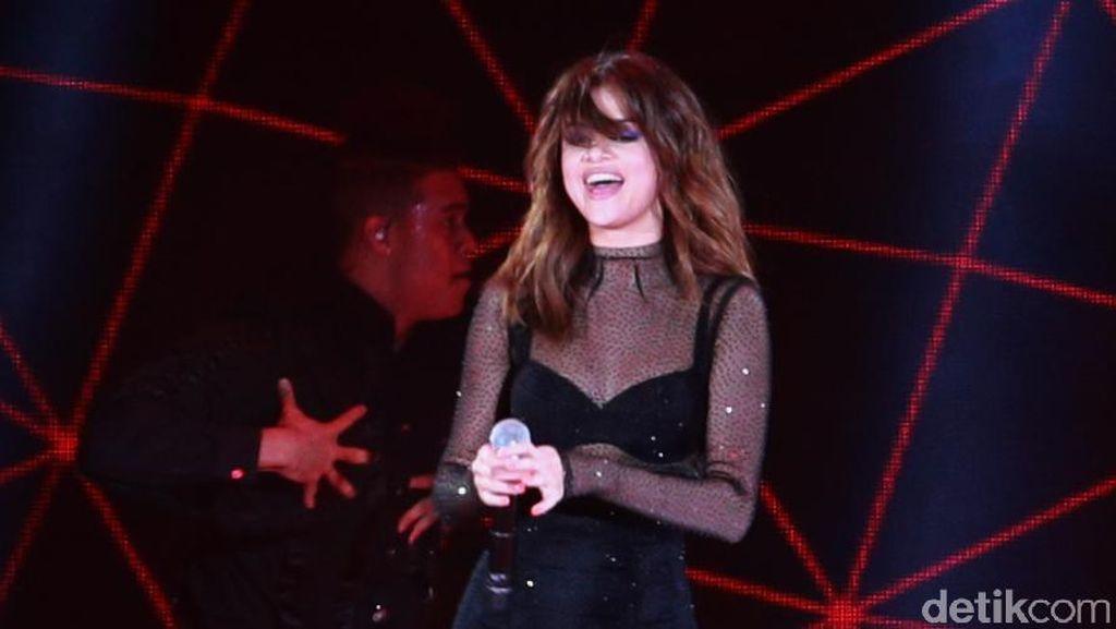 Selena Gomez, Orang Pertama yang Punya 100 Juta Follower di Instagram