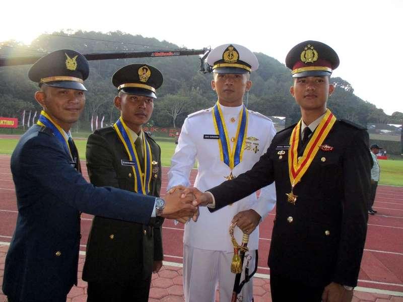 Ini 4 Perwira Remaja TNI-Polri Terbaik Peraih Adhi Makayasa 2016