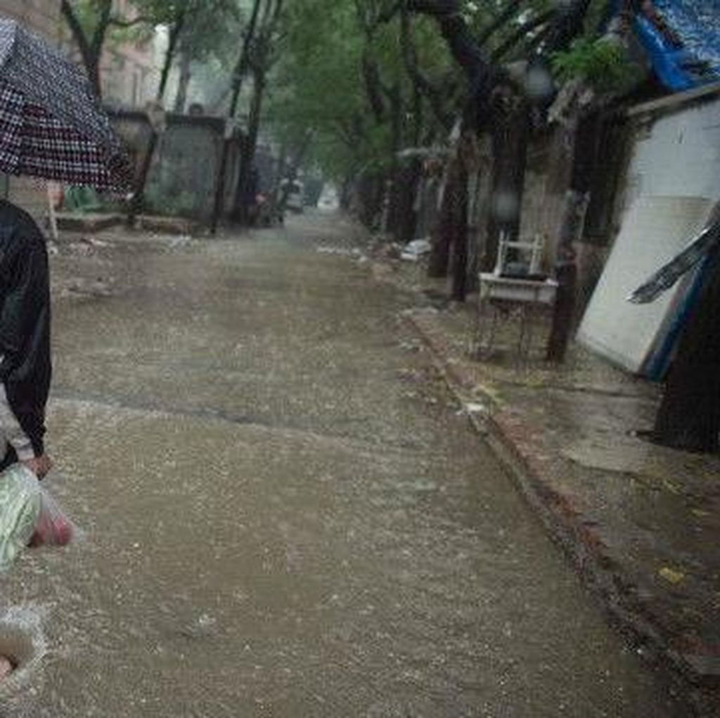 Kota Terlarang di Beijing Tetap Kering di Tengah Banjir China
