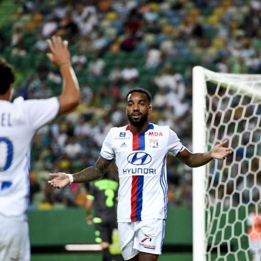 Lyon Tolak Tawaran Arsenal untuk Lacazette