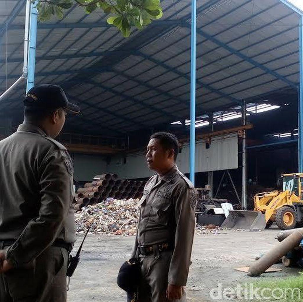 2 Tahun Beroperasi Tanpa Izin, Pabrik Baja di Mojokerto Akhirnya Ditutup Paksa