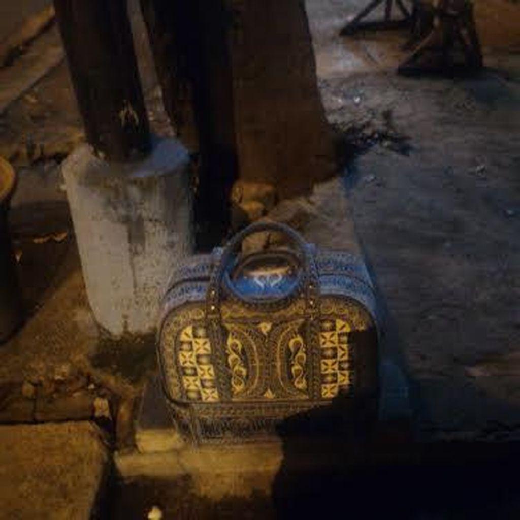 Tas Mencurigakan di Pasar Minggu, Isinya Ternyata Pakaian