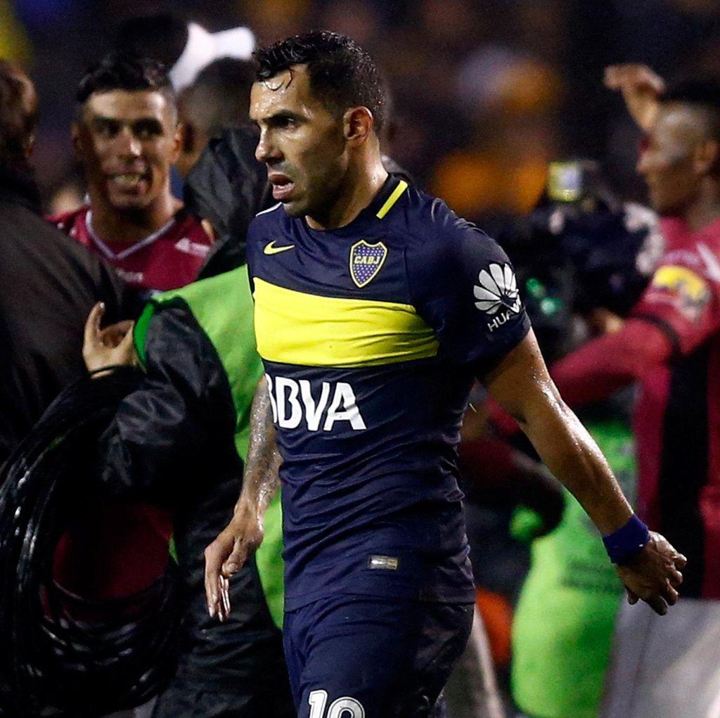 Ditaksir Napoli dan Chelsea, Tevez Setia Boca