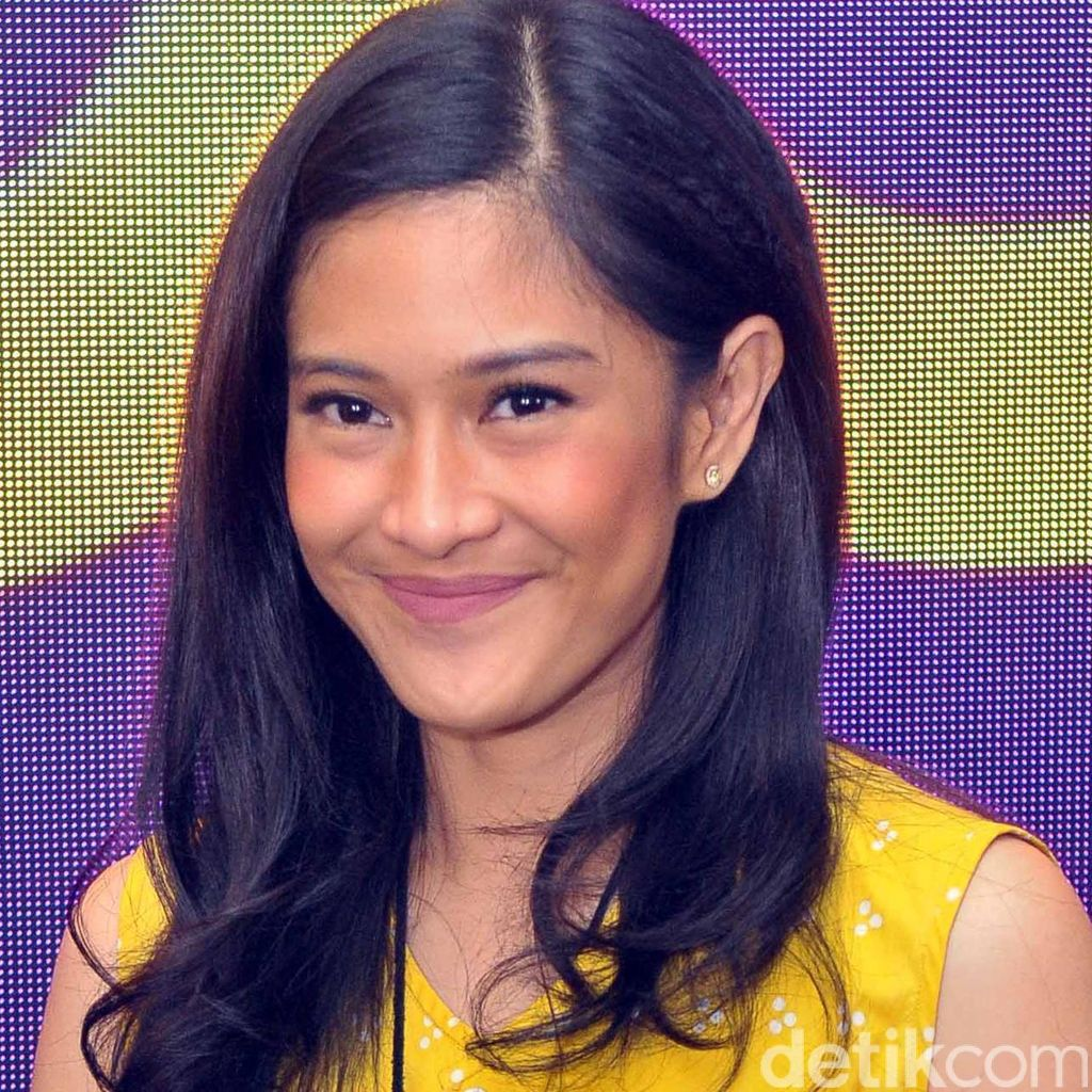 Hot Photo Highlight: Yuni Shara hingga Dian Sastro