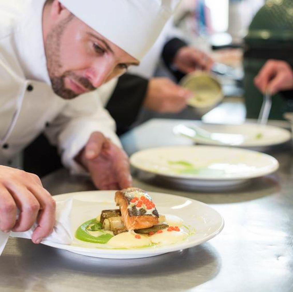 Ini 12 Aturan Penting di Dapur Restoran Menurut Chef Professional (2)