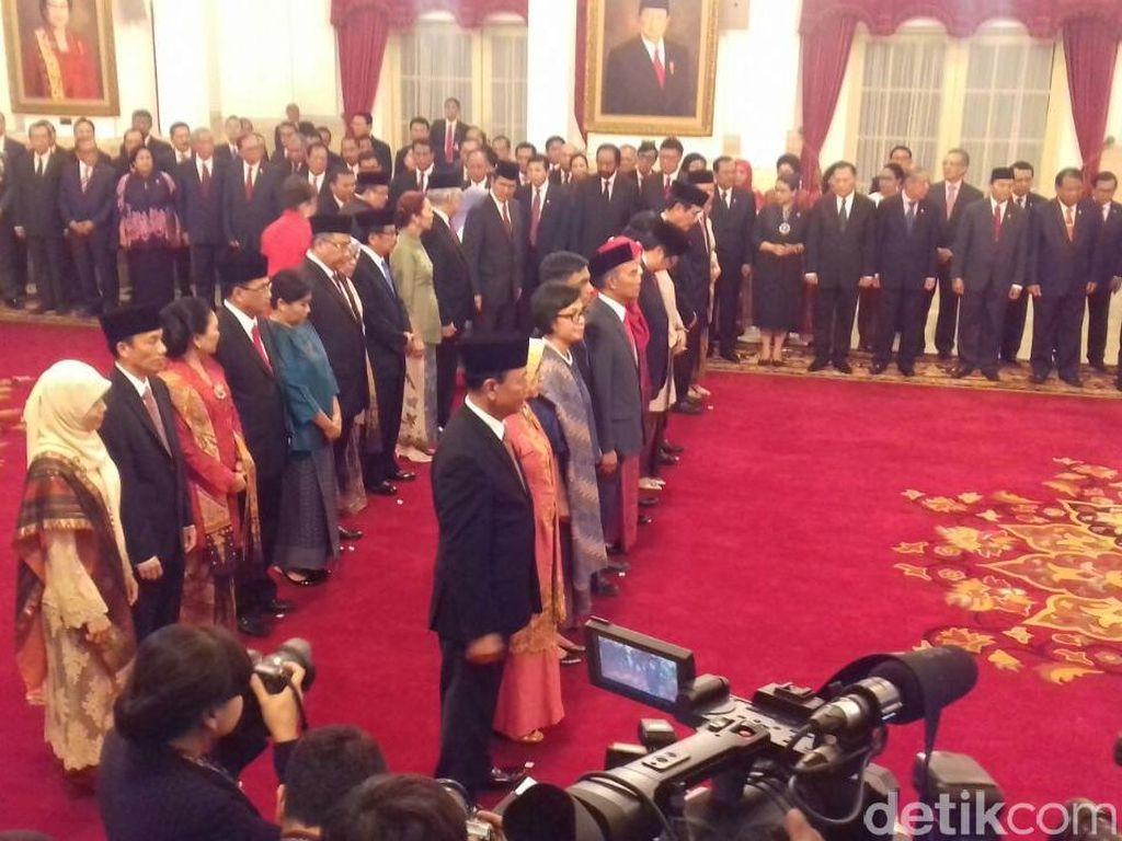 Presiden Joko Widodo Resmi Lantik 12 Menteri dan Kepala BKPM Baru
