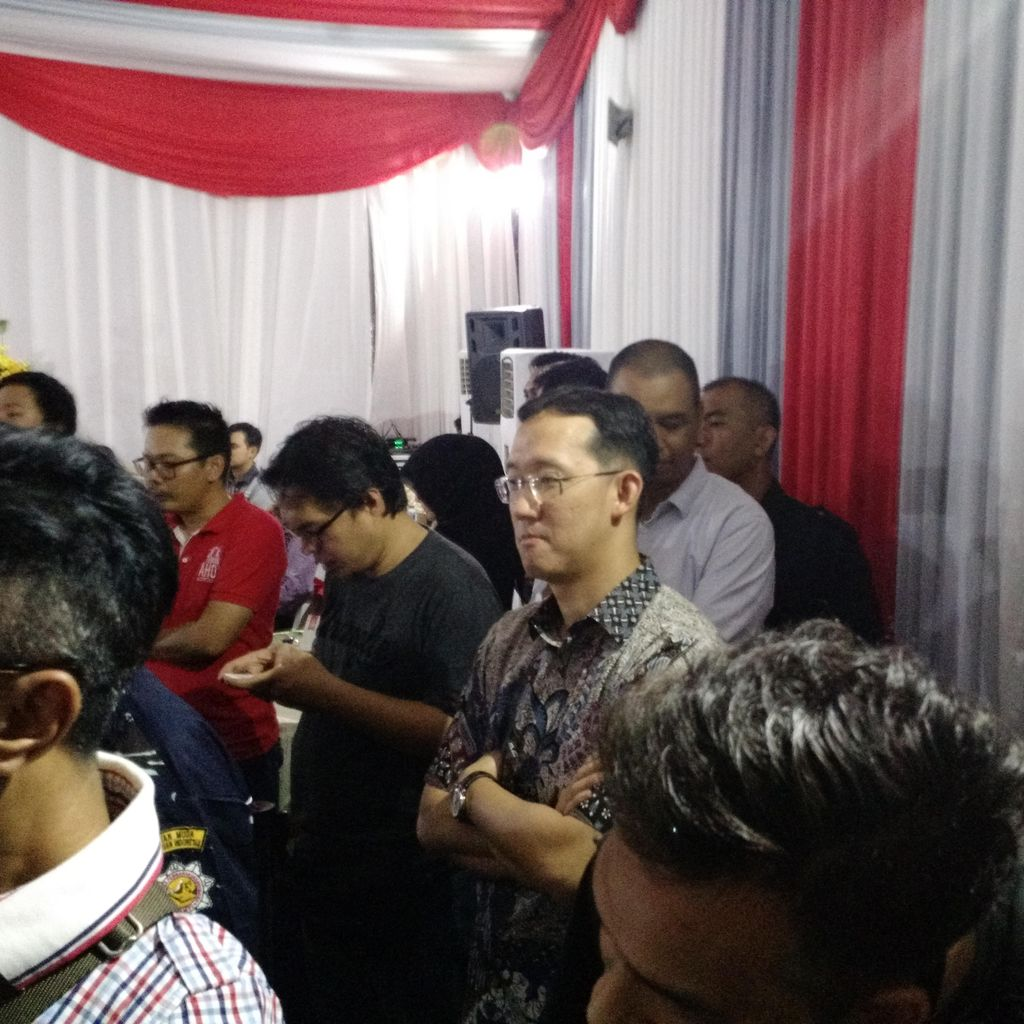 Ahok Tentukan Jalur Politik, Sunny Tanuwidjaja Hadir di Markas Teman Ahok