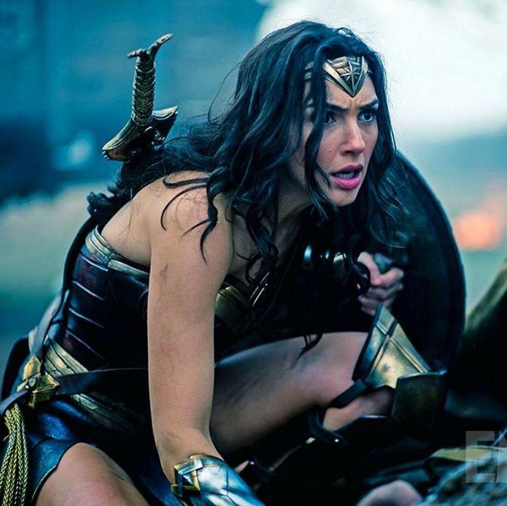 Sepotong Adegan Gal Gadot Beraksi Sebagai Wonder Woman