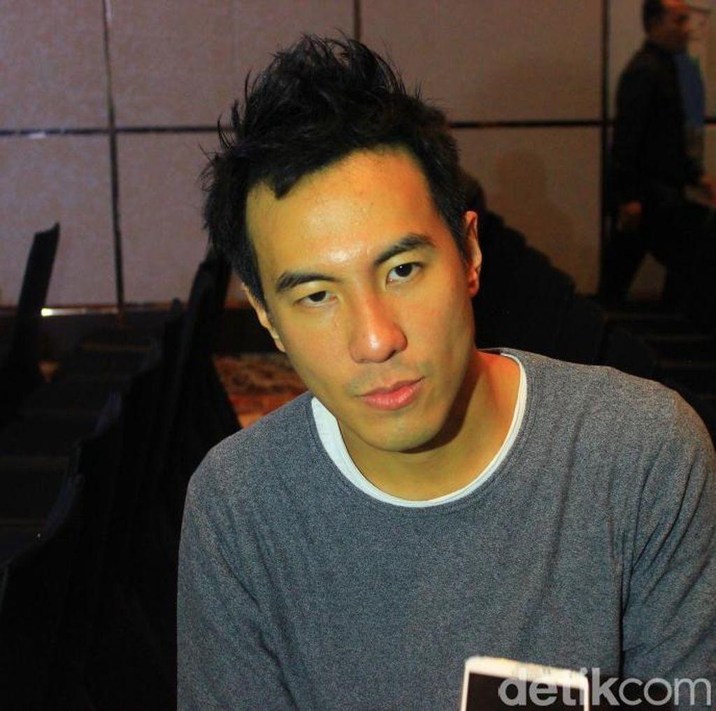 Daniel Mananta Labrak Pembajak Brand Kaosnya di Singapura