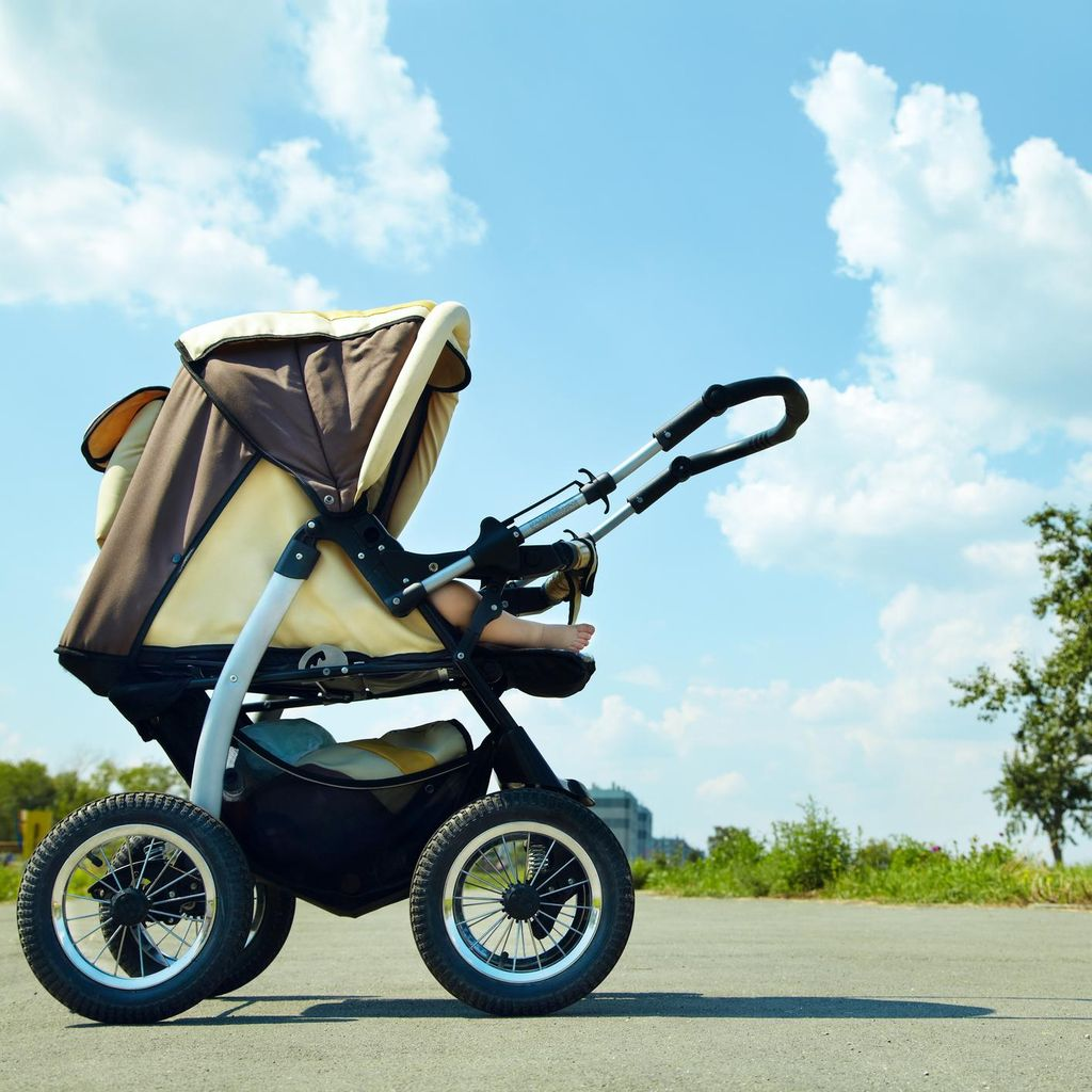 Ini Bahaya Menutup Stroller dengan Selimut Agar Anak Tak Kena Sinar Matahari