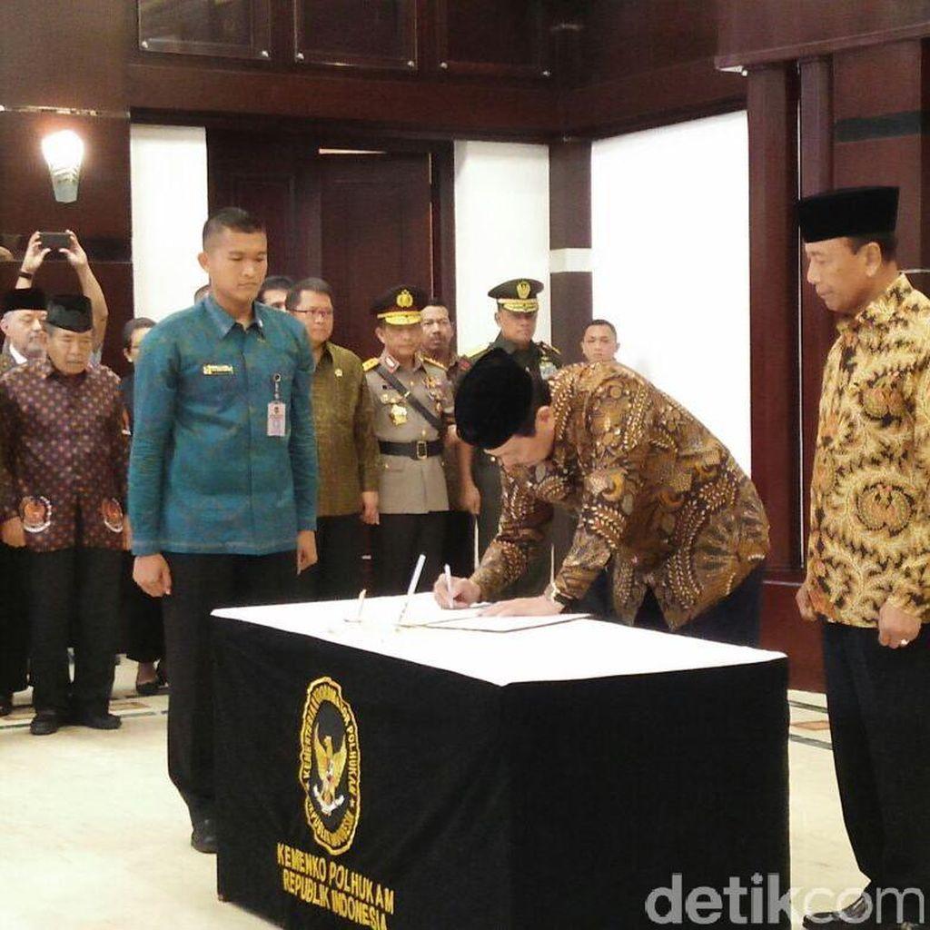 Sertijab Menko Polhukam, Luhut: Pak Wiranto Senior Saya, Kembali ke Sini Lagi