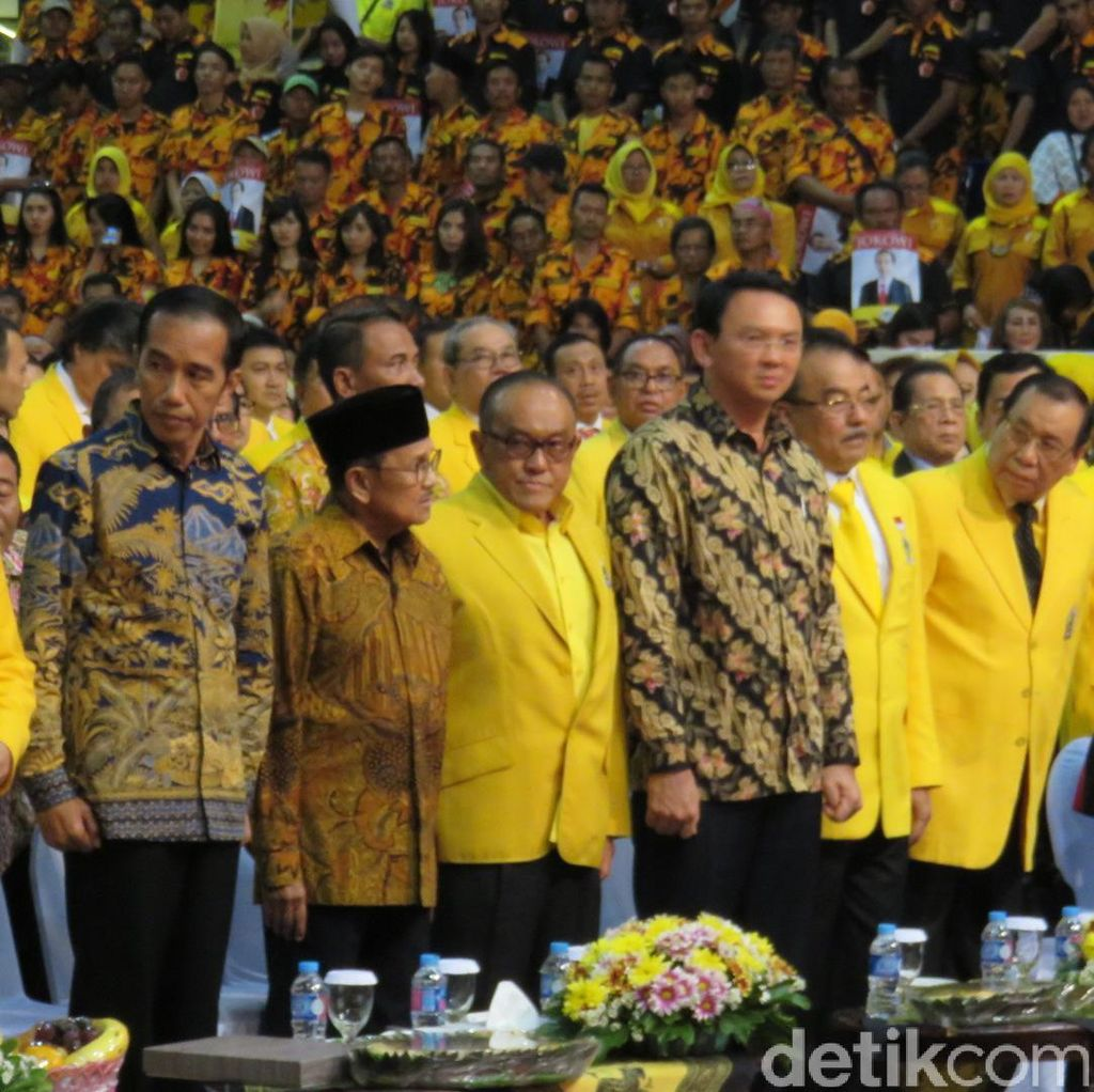 Novanto Minta Izin Jokowi: Maklum Kalau Kader Golkar Pasang Foto Bapak